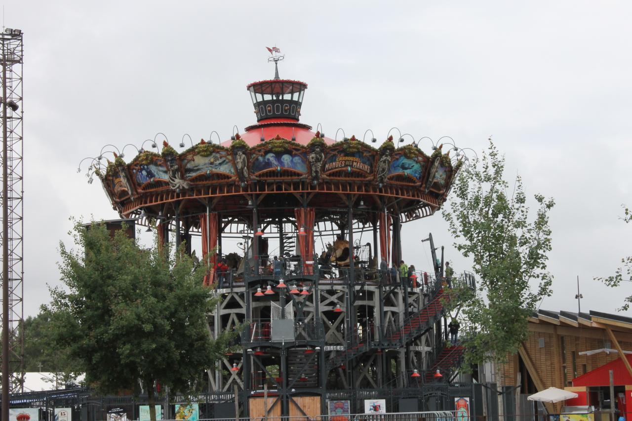 Le carrousel des mondes marins 1